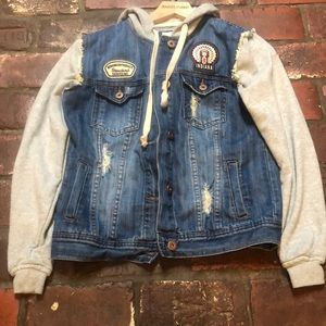 Forever 21 Distressed Jean Jacket Size Small